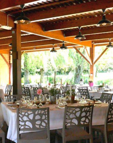 Espace de réception à la Grange Valentin à Ambronay
