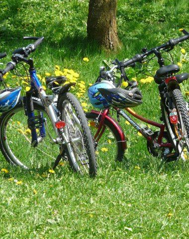 Vélo et cyclotourisme de Pérouges au Bugey