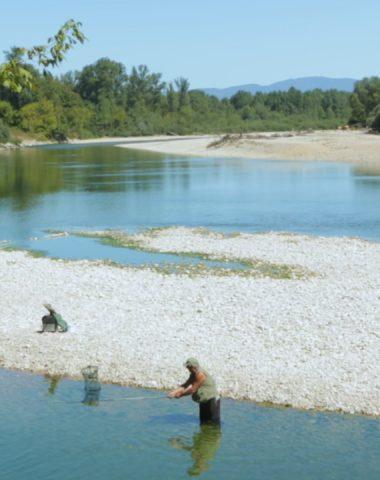 Pêche dans la rivière d'Ain