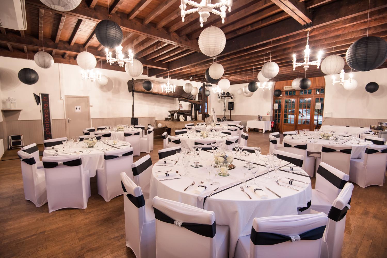 Salle Pressoir mariage noir & blanc