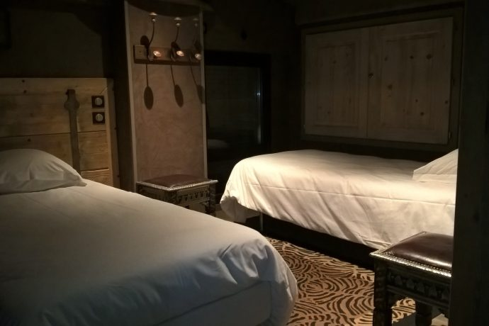 Chambre du haut avec 2 lits simples RIAD