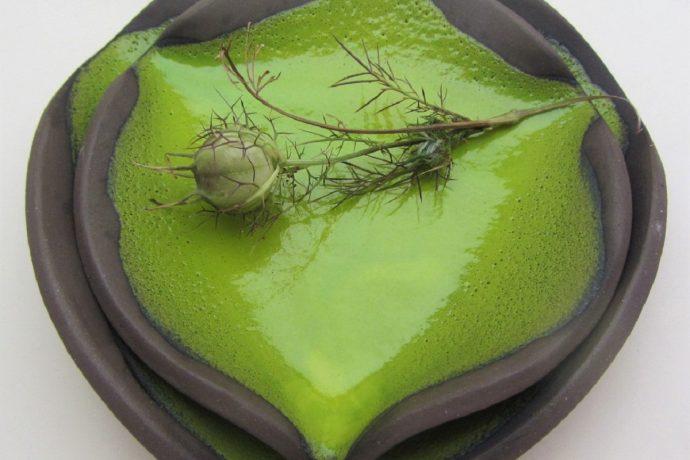 Saskia Lauth: Assiettes de la série «Chocolat-Pistache»