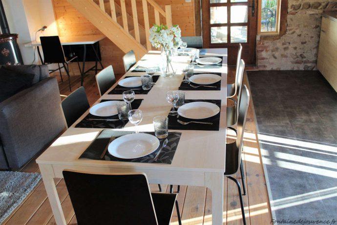 Table pouvant accueillir 10 convives