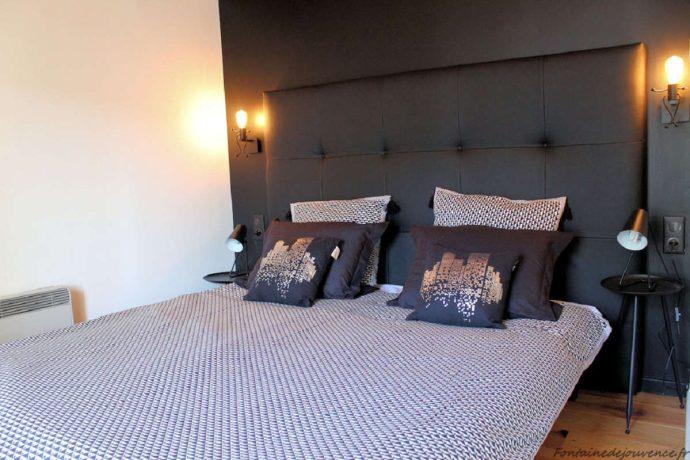 Chambre Noire rdc avec 1 lit 160*200 ou 2 lits 80*200